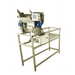 Stół do odsklepiania z odsklepiarką z podajnikiem automatycznym (230V) z obiegiem zamkniętym z wytłaczarką do odsklepin 50 kg/h